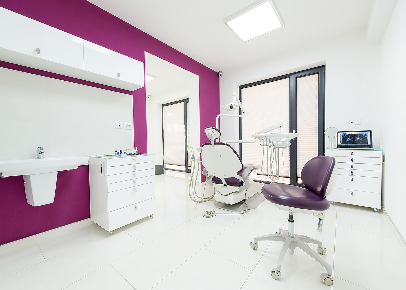 Fotografiede de arhitectura interioara clinica stomatologica Bec
