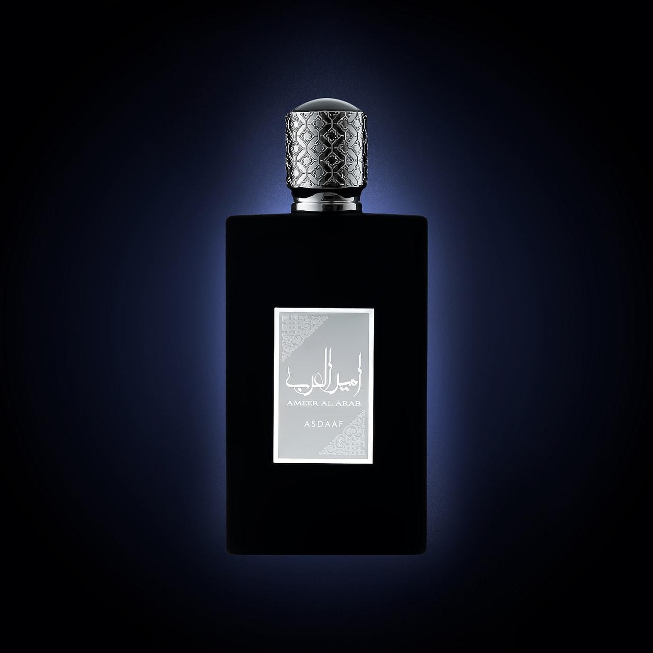 Fotografie de produs-parfum-Rada-fundal negru